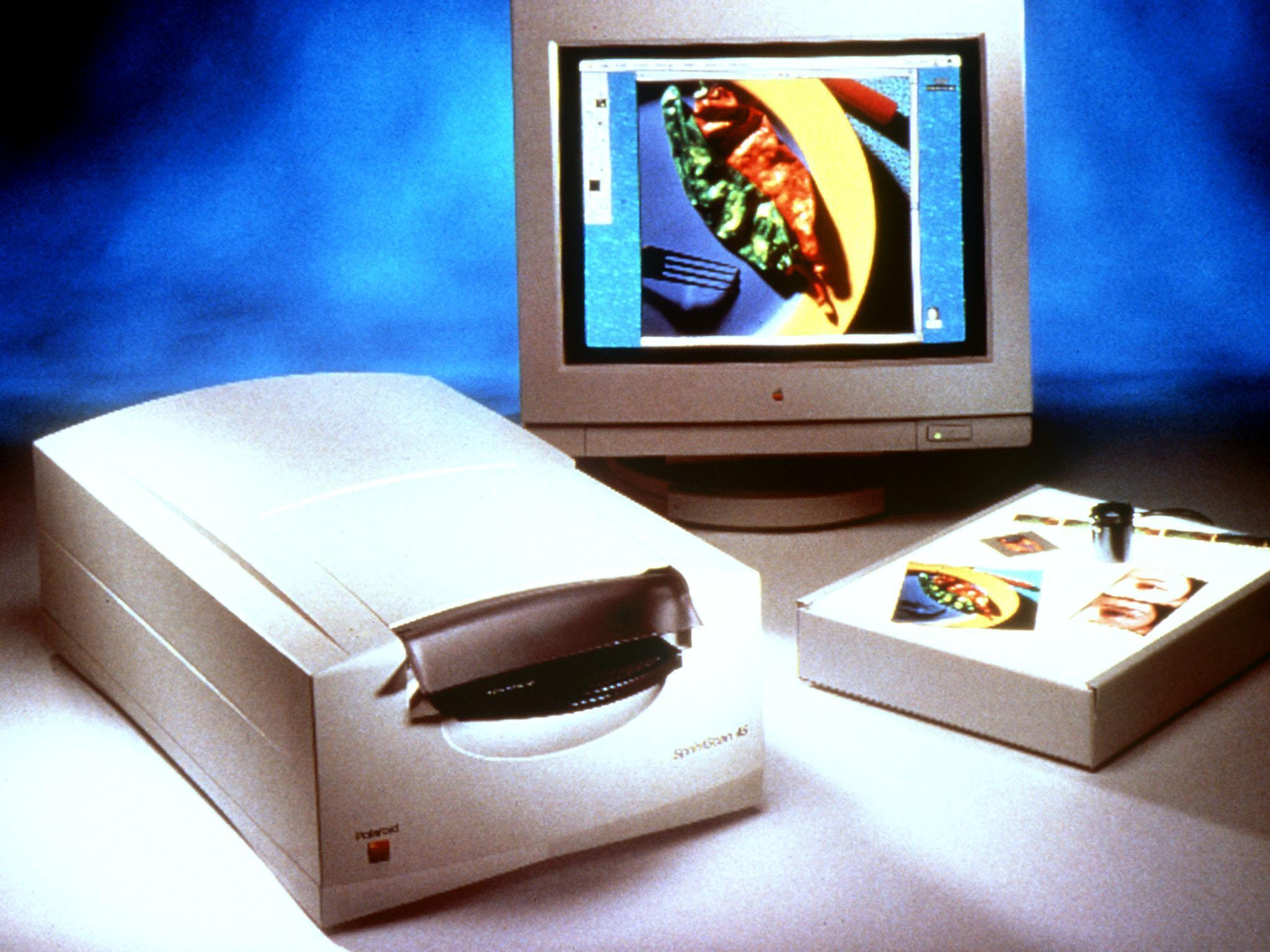 BILD ZU OTS 016 -  Der SprintScan 45 ist ein Multiformat-Film-Scanner für die Digitalisierung von gerahmten und ungerahmten Farbdias und Farbnegativen vom Kleinbildformat bis zu 9x12 cm. Positive und Negative können gleichermaßen verarbeitet werden.
