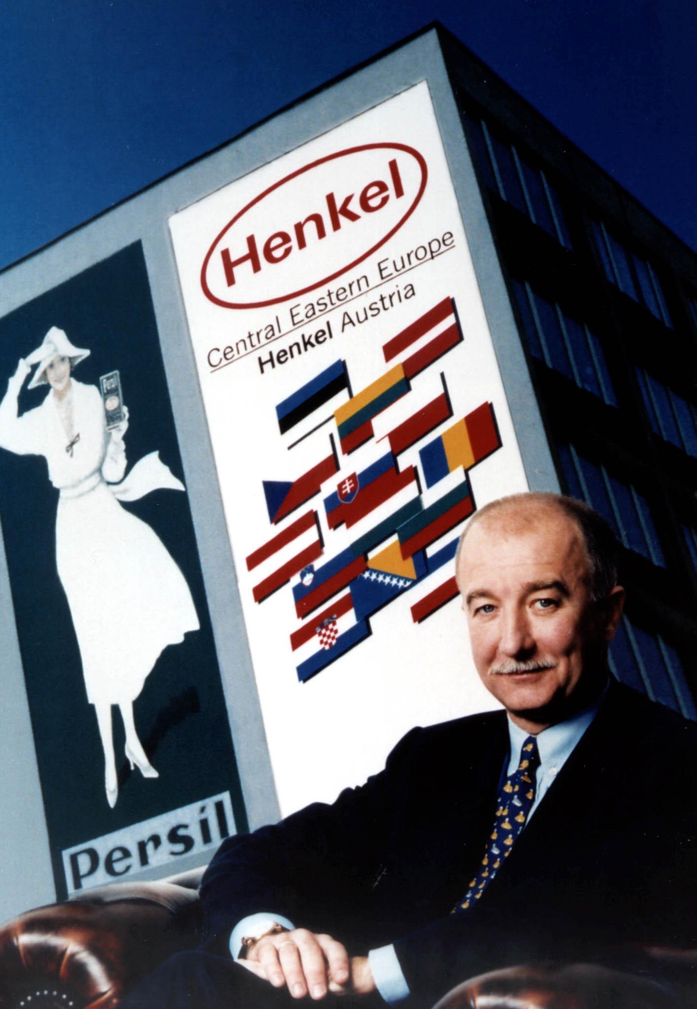 -ZU OTS228-Die Henkel Eastern Europe (CEE),Wien, wird ihren Umsatz 1998 voraussichtlich um 23 Prozent auf 8,5 Milliarden Schilling steigern.Im Bild Henkel President Friedrich Stara  OTS-Photo:Henkel