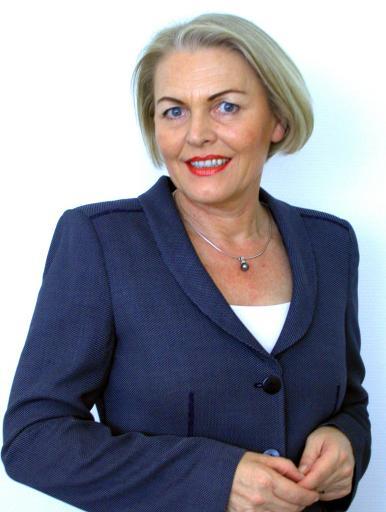 Die bisherige stellvertretende Generalsekretärin der Wirtschaftskammer Österreich, Anna-Maria Hochhauser, löst mit 1. September 2004 Christian Domany als neue Generalsekretärin der Wirtschaftskammer Österreich ab.