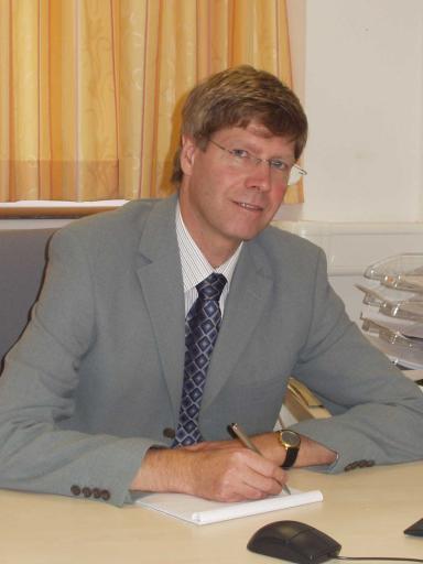 Die Wüstenrot Immobilien Vermittlungs GmbH erweitert jetzt ihr Serviceangebot und startet mit Ing. Peter Führer, einem Profi mit mehr als 20 Jahren einschlägiger Berufserfahrung, als neuem Geschäftsführer kräftig durch.