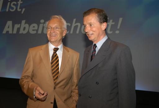 v.l.n.r.: Ministerpräsident Dr. Edmund Stoiber und Univ. Beirat NR Dr. Vincenz Liechteinstein