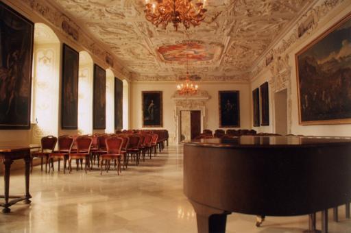 Der Kaisersaal des Stifts Heiligenkreuz bietet bereits zum achten Mal den prachtvollen Rahmen für das alljährlich im Herbst stattfindende Kammermusikfestival der Spitzenklasse.