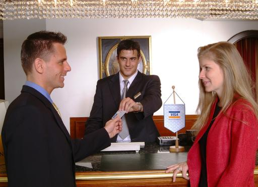 VISA-Disagiosenkung im Tourismus; VISA-AUSTRIA senkt die Disagiosätze in der Hotellerie und Gastronomie