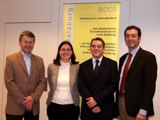 Geben Starthilfe für akademische Firmengründungen (von links nach rechts): Dr. Rudolf Hittmair (Geschäftsführer BCCS), Mag. Judit Stassak (Assistenz BCCS), Mag. (FH) Thomas Jooss (Innovationsmanager BCCS) und Mag. Werner Pfeiffenberger (Geschäftsführer Techno-Z).