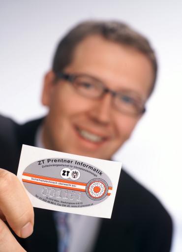 Die von der ZT Prentner IT GmbH. vergebene und staatlich anerkannte IT- Ziviltechnikerprüfplakette ist der Beleg für die Funktionsfähigkeit und Konformität der E-Rechnungslegungssysteme.