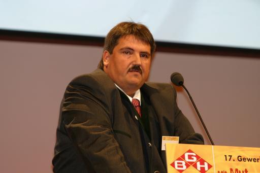 Der neu gewählte FSG-Bundesfraktionsvorsitzende der Gewerkschaft Bau-Holz Josef Muchitsch