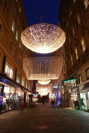 Weihnachtsbeleuchtung 2006 in Wien im 1. Bezirk, Jasomirgottstraße, Goldschmiedgasse, Graben und Kohlmarkt http://www.pressefotos.at/album/1/42/200612/20061205_b/