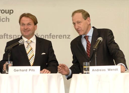 v.l.n.r.: Dr. Gerhard Pils (Geschäftsführer BMW Austria GmbH), Dr. Andreas Wendt (Geschäftsführer BMW Motoren GmbH) http://pressefotos.at/album/1/1/200701/20070126_b/