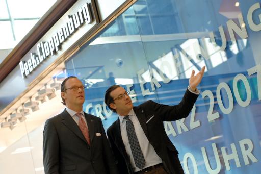 """""""Peek & Cloppenburg eröffnet die erste Filiale in Vorarlberg und setzt den erfolgreichen Expansionskurs fort!"""" v.l.n.r.: Marcus Kossendey: Verkaufsleiter P&C Clemens Retzlaff: Storemanager P&C Dornbirn http://pressefotos.at/album/1/45/200703/20070306_p/"""