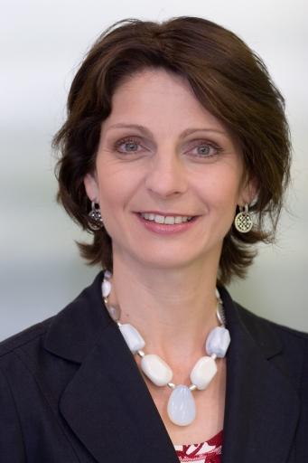 Controlling-Expertin am Zug: Mag. Elisabeth Landrichter neue Geschäftsführerin des City Airport Train (CAT)