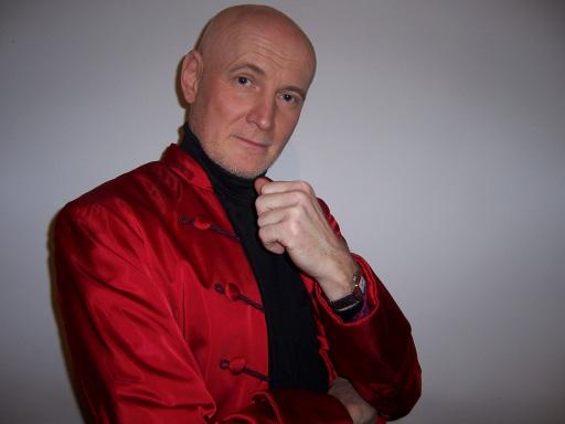 Arno Raunig, der männliche Sopran, entführt in die Welt des herausragenden Kastraten Farinelli und präsentiert ein breit gefächertes Programm an Farinelli Arien.
