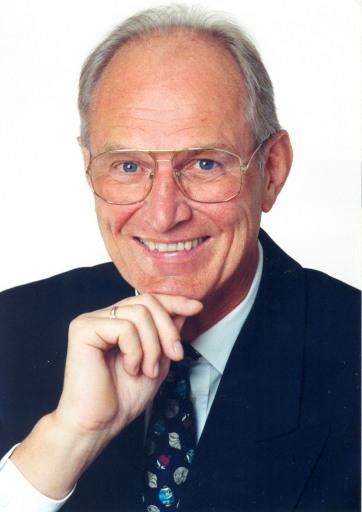 Der Doyen des österreichischen Bausparens und langjährige Generaldirektor der Bausparkasse Wüstenrot, Dr. Herbert Walterskirchen, feiert Mitte August seinen 70. Geburtstag.