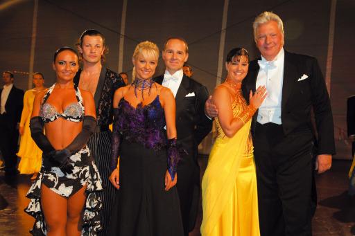 Im Bild v.l.n.r.: Julia Polai, Anton Efremov, Michaela Heintzinger, Manfred Zehender, Nicole Kuntern und Edi Finger jun.