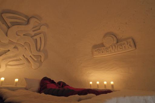 Übernachten in kunstvoll gestalteten Iglus der White Lounge