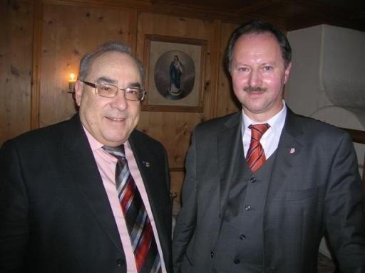 LT-Präs. Mader (l) gratulierte Ð auch im Namen des Hohen Hauses - Landesvolksanwalt Dr.Josef Hauser (r) zu dessen 50. Geburtstag