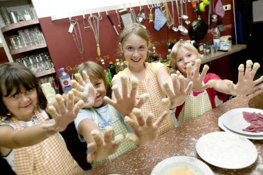 QUAX Familien-Freizeit-Tipp: Kinder kochen Schnitzel