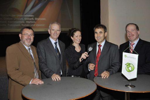 ÖAKR-Herbstgespräch 2008 in Krems - v.l.n.r.: Ing. Gerhard Burger (Wasserwerk Krems, Betriebsleitung), BIM a. D. KommR. Wilfried Kugler (Kugler GmbH), Judith Weissenböck, (ORF NÖ, Moderation), Mag. Karl Aigner (ÖAKR-Obmann-Stv.), Dr. Christian Keri (Lebensministerium) http://pressefotos.at/m.php?g=1&u=38&dir=200811&e=20081113_k&a=event
