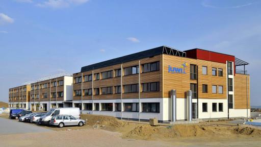 In der kurzen Bauzeit von nur 6 Monaten entstand das energieeffizienteste Bürogebäude der Welt, gebaut von GriffnerHaus.