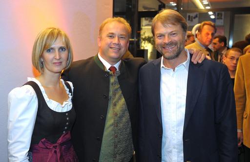v.l.n.r. Petra Reindl, Wolfgang Reindl, Architekt Axel Hupfauer