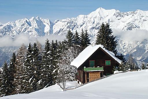 Ersten Pulverschnee schnuppern inmitten glitzernder Winterlandschaft - Vorweihnacht in der Silberregion Karwendel.