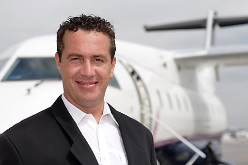 CEO Paul Wolfsgruber, MBA (Topfly Airlines) freut sich, seinen Kunden ein außergewöhnliches Skierlebnis anbieten zu können.