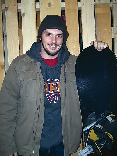 Snowboarder C. Friedl musste mittels Helikopter ins Spital gebracht werden. Die Rechnung für den Flug übernimmt SAFE-R.