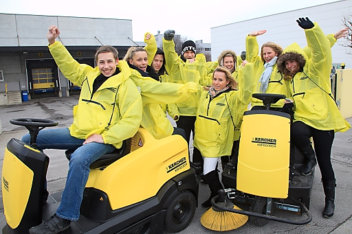 http://pressefotos.at/m.php?g=1&dir=201003&u=66&a=event&e=20100312_k Schüler der Vienna Business School Floridsdorf setzen Zeichen gegen Verschmutzung.