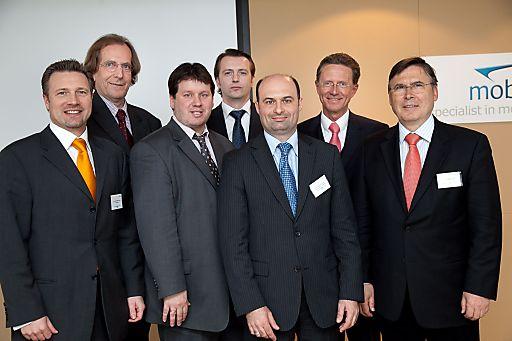http://pressefotos.at/m.php?g=1&u=66&dir=201004&e=20100413_m&a=event Mobile Working Day 2010: Das Mobility-Event heuer groß wie nie. Im Bild v.l.n.r.: Ing. Thomas Gruber (GF mobil-data), DI. Reinhard Haberfellner (Apello Österreich), Peter Lieber (GF mobil-data), Dr. Georg Lankmayr (INSET RESEARCH & ADVISORY Unternehmensberatung GmbH), Thomas Materazzi (A1 mobilkom austria AG), Dr. Roland Falb (Roland Berger Strategy Consulting), Josef Broukal (Moderator)