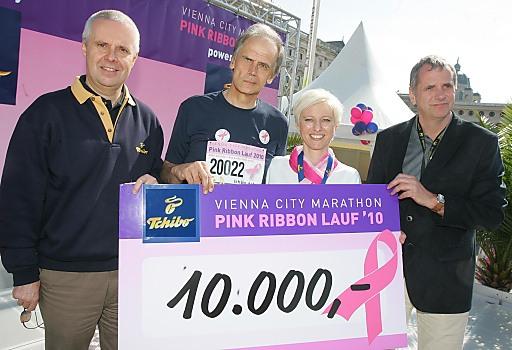 http://pressefotos.at/m.php?g=1&u=68&dir=201004&e=20100417_p&a=event Wien - Der 2. Pink Ribbon Lauf, der durch die großartige Unterstützung von Tchibo und dem Vienna City Marathon möglich wurde, brachte der Österreichischen Krebshilfe 10.000 Euro.