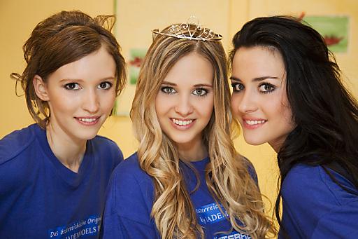 v.l.n.r.: Estella Bianca Gludowatz (Zweitplatzierte), Verena-Katrien Gamlich (Gewinnerin), Caroline Payer (Drittplatzierte)