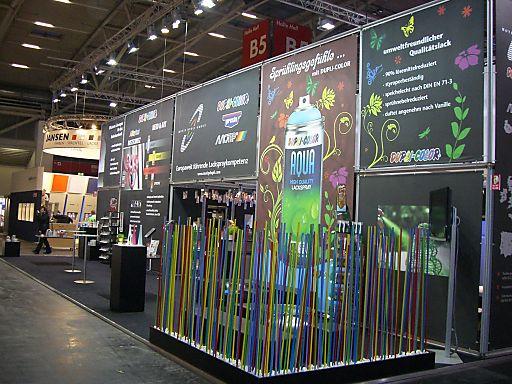 """Die MOTIP DUPLI GmbH, Europas größter Sprühlackhersteller, präsentierte sich Ende März auf der Messe """"Farbe - Ausbau und Fassade 2010"""" (FAF) in München von seiner grünen Seite."""