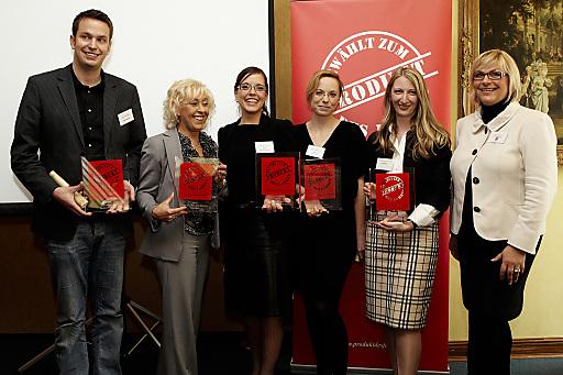 Preisverleihung: v.l.n.r.: Frank Matthias (Danone), Maria Kitzler (Nöm), Astrid Mair am Tinkhof (L'Oréal), Michaela Reisenbichler (L'Oréal), Heidi Koch (Procter & Gamble), Heike Labetzki (Produkt des Jahres)