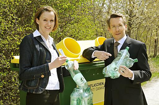 Am Montag, 17. Mai 2010 startet die Römerquelle Flaschenpost. Die Sommeraktion will die ÖsterreicherInnen für die richtige Entsorgung der PET-Flaschen sensibilisieren.