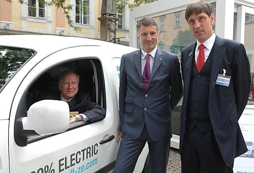 v.r.n.l.: Arnaud de Kertanguy (Generaldirektor Renault Österreich), Harald Kogler (Vorstand Kelag), Dr. Nobert Verweyen (CTO RWE)