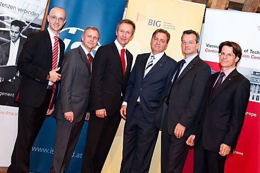 http://pressefotos.at/m.php?g=1&u=84&dir=201009&e=20100929_f&a=event Jürgen Peindl (Moderator), Franz Fleischmann (Vorsitzender Stellvertreter, FMA), Ing. Heinz Mihatsch (Vorstandsvorsitzender, FMA), Dipl.-Ing. Dr. Horst Pichlmüller (Präsident, IFMA Austria), ao Univ.-Prof. Dipl.-Ing. Mag. Dr. Alexander Redlein (Vize-Präsident, IFMA Austria), Prok. Ing. Reinhard Poglitsch, MBA (ISS Facility Services GmbH, IFMA Austria)