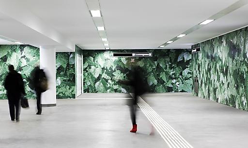 Heimo Zobernig, ohne Titel, Station Laurenzgasse, 1050 Wien