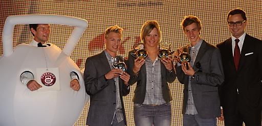 http://pressefotos.at/m.php?g=1&u=55&dir=201010&e=20101015_t&a=event V.l.n.r.: Die Teekanne, David Zauner, Marlies Schild, Gregor Schlierenzauer, Bernhard Zoller (Geschaeftsfuehrer Teekanne)