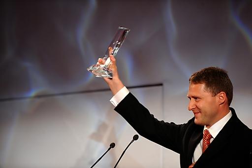 Andreas Maierhofer mit dem Award