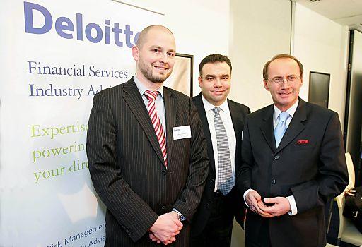 http://pressefotos.at/m.php?g=1&u=68&dir=201101&e=20110120_d&a=event Gemeinsam mit EU-Parlamentarier Mag. Othmar Karas diskutierten Experten am 20.1. bei Deloitte über die Auswirkungen der beiden Richtlinien für die europäische Finanzindustrie.