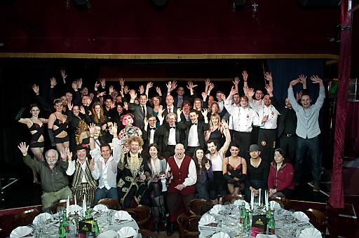 80 Künstler am Herd, in der Manege, im Service und hinter den Kulissen - kurz: das gesamte PALAZZO Team möchte sich bei den Wiener Gästen für ihr Lachen, ihren Applaus und ihre Herzlichkeit bedanken.