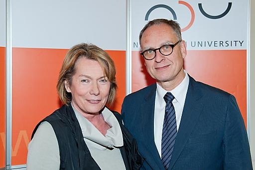 Im Bild: WKNÖ-Präsidentin KommR Sonja Zwazl und NDU-Rektor Dr. Stephan Schmidt-Wulffen.
