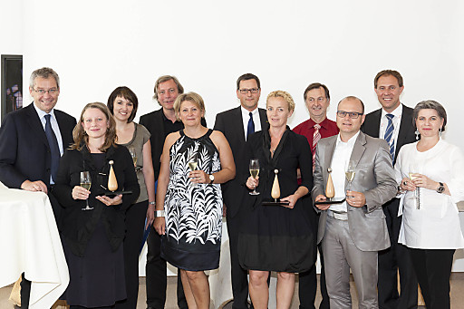 """Die Preisträger der """"vorarlberg tourismus-Innovationen 2011"""" mit den Veranstalter."""