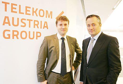 http://www.apa-fotoservice.at/galerie/2235 Im Bild v.l.n.r.: Gereon Friederes (Geschäftsführer marketmind und Studienleiter) und Hannes Ametsreiter (Generaldirektor Telekom Austria Group)
