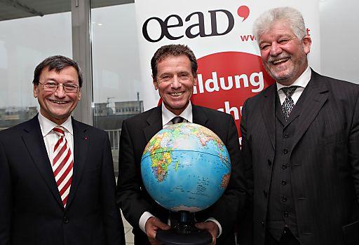 http://www.apa-fotoservice.at/galerie/2502/ Jubiläumsstipendium - Der OeAD setzt ein Zeichen für die Internationalisierung von Bildung in Österreich.