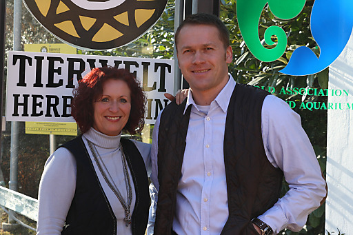 Im Bild v.l.n.r.: Geschäftsführerin Doris Wolkner-Steinberger und der neue zoolog. Leiter, Dr. Reinhard Pichler, sind verantwortlich für Abenteuerwelt Mautern und Tierwelt Herberstein.