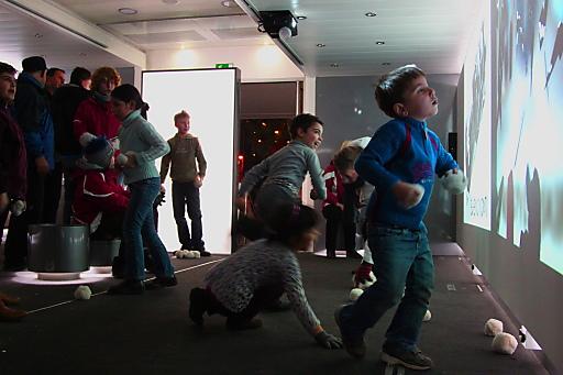 YOG Smart Cube: Lernen und Spaß bei der mobilen Olympia-Ausstellung in Innsbruck