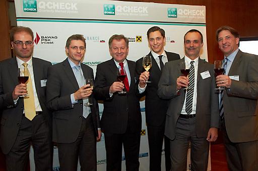 Im Bild von links nach rechts: Michael Kukacka (ERSTE-SPARINVEST), Stefan Bruckbauer (UniCredit Bank Austria), Eduard Zehetner (Immofinanz), Dominik Hojas (DerBörsianer.com), Herbert Perus (Raiffeisen Capital Management), Peter Pavlicek (BAWAG P.S.K Invest).