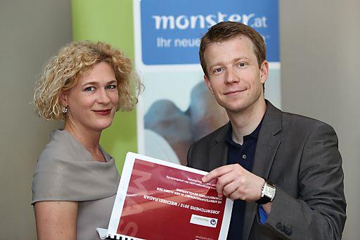 http://www.apa-fotoservice.at/galerie/3150 Im Bild v.l.n.r.: Mag. Barbara Riedl-Wiesinger (Monster Worldwide Austria GmbH), DDr. Paul Eiselsberg (Senior Research Director IMAS International)