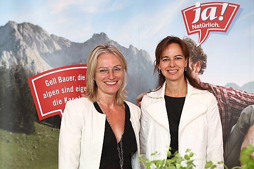 http://www.apa-fotoservice.at/galerie/3285 Im Bild v.l.n.r.: Martina Hörmer (Geschäftsführerin Ja! Natürlich Naturprodukte GmbH), Sophie Karmasin (Karmasin Motivforschung)