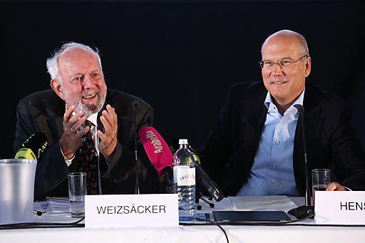 http://www.apa-fotoservice.at/galerie/3338 Ernst Ulrich von Weizsäcker (ehem. Präsident des Wuppertal Institut für Klima, Umwelt, Energie), Frank Hensel (Vorstandsvorsitzender REWE International AG)